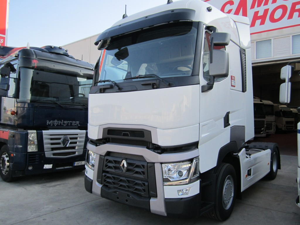 Renault gama t520 rioja cami n for Interieur camion renault t